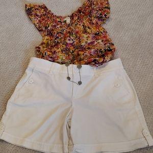 Gloria Vanderbilt White Shorts Size 8